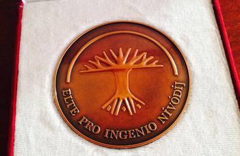 Pro Ingenio Nívódíj és Pro         Ingenio Elismerő Oklevél karunk oktatóinak