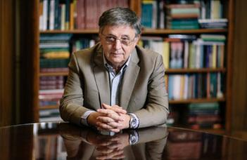 Abel Prize awarded to László Lovász