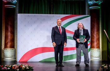 Életfa Emlékplakett kitüntetést kapott Márton Mátyás