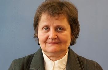 Csuhaj Varjú Erzsébet Akadémiai Díjban részesült az MTA 194. közgyűlésén